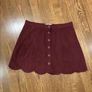 Kendall & Kylie Scalloped Button Maroon Skirt M